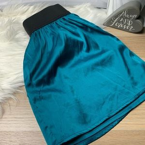 Fall silky satin skirt forever 21 size small